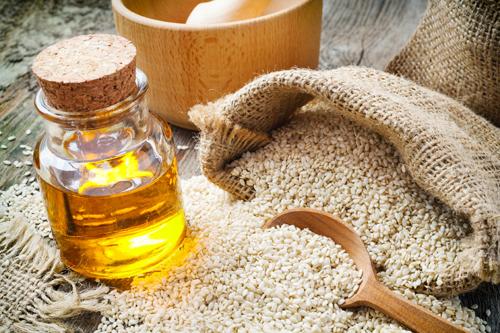 ayurvédique-avantages-de-sésame-huile de massage